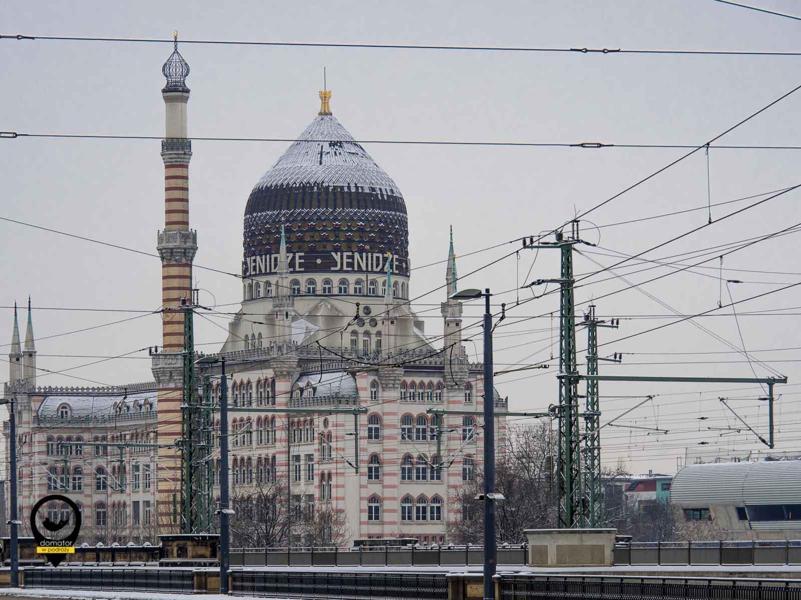 Yenidze - budynek z 1907 r. w stylu mauretańsko-secesyjnym służył jako fabryka i magazyn tytoniu.