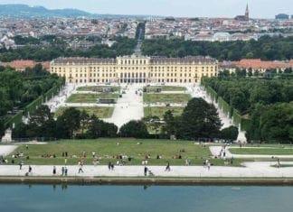 Pałac Schönbrunn ipanorama Wiednia