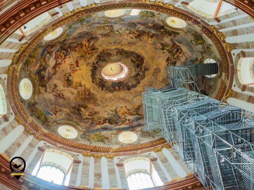 Winda w kościele św. Karola Boromeusza we Wiedniu