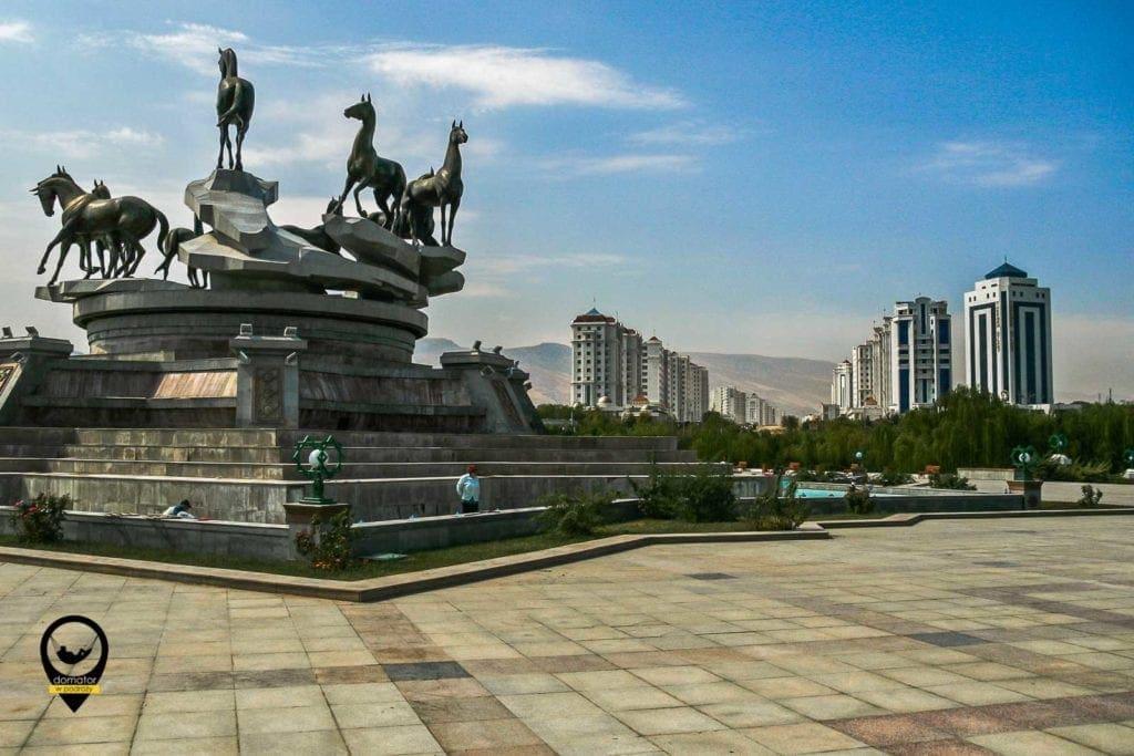 Monument 10 rocznicy Niepodległości,Turkmenistan