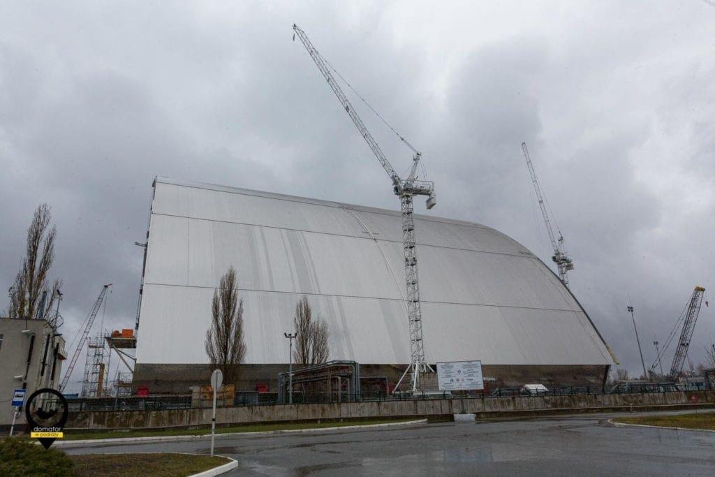 Nowy sarkofag nad reaktorem w Czarnobylu
