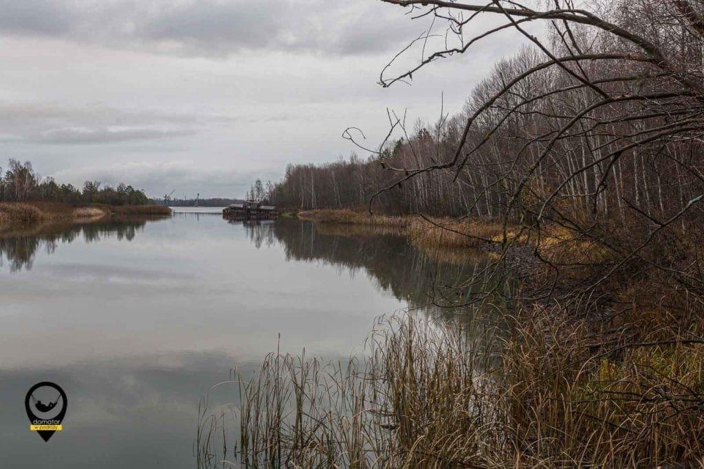 Opuszczone barki na rzece Prypeć