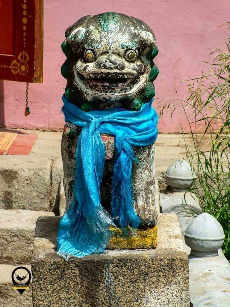 Mongolskie chadaki - wstęgi dobrych życzeń w kolorze niebieskim